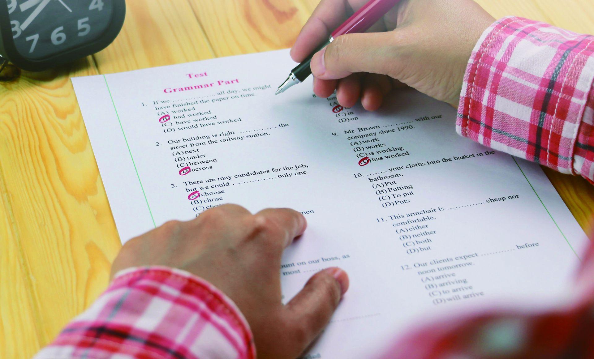掌握聽力與閱讀「題型」變化 跟多益滿分王學新制答題技巧