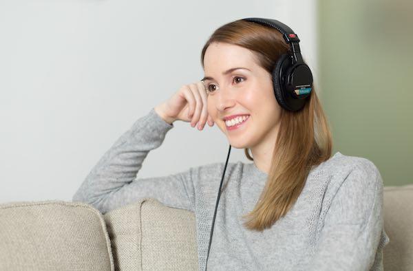聽音樂也能增腦力?研究:快樂的音樂能提升創意思考