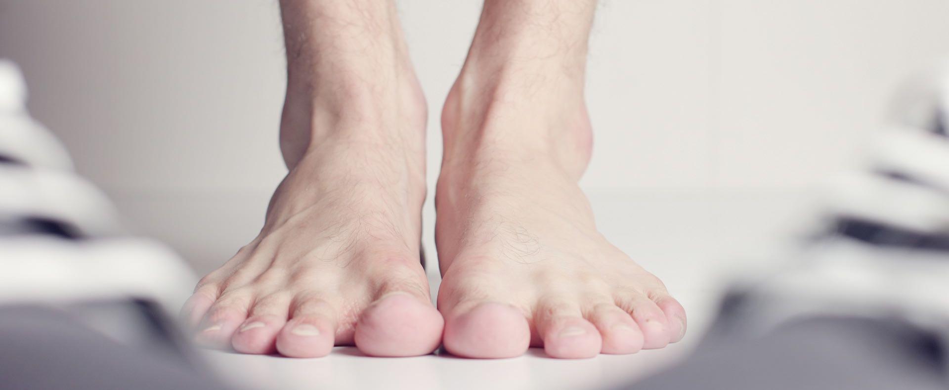 下床走路如針扎 2招預防足底筋膜炎