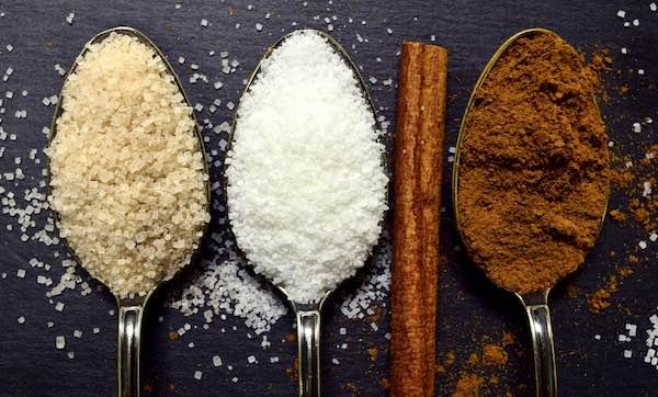 蔗糖、蜂蜜和黑糖誰營養?比來比去其實都一樣!