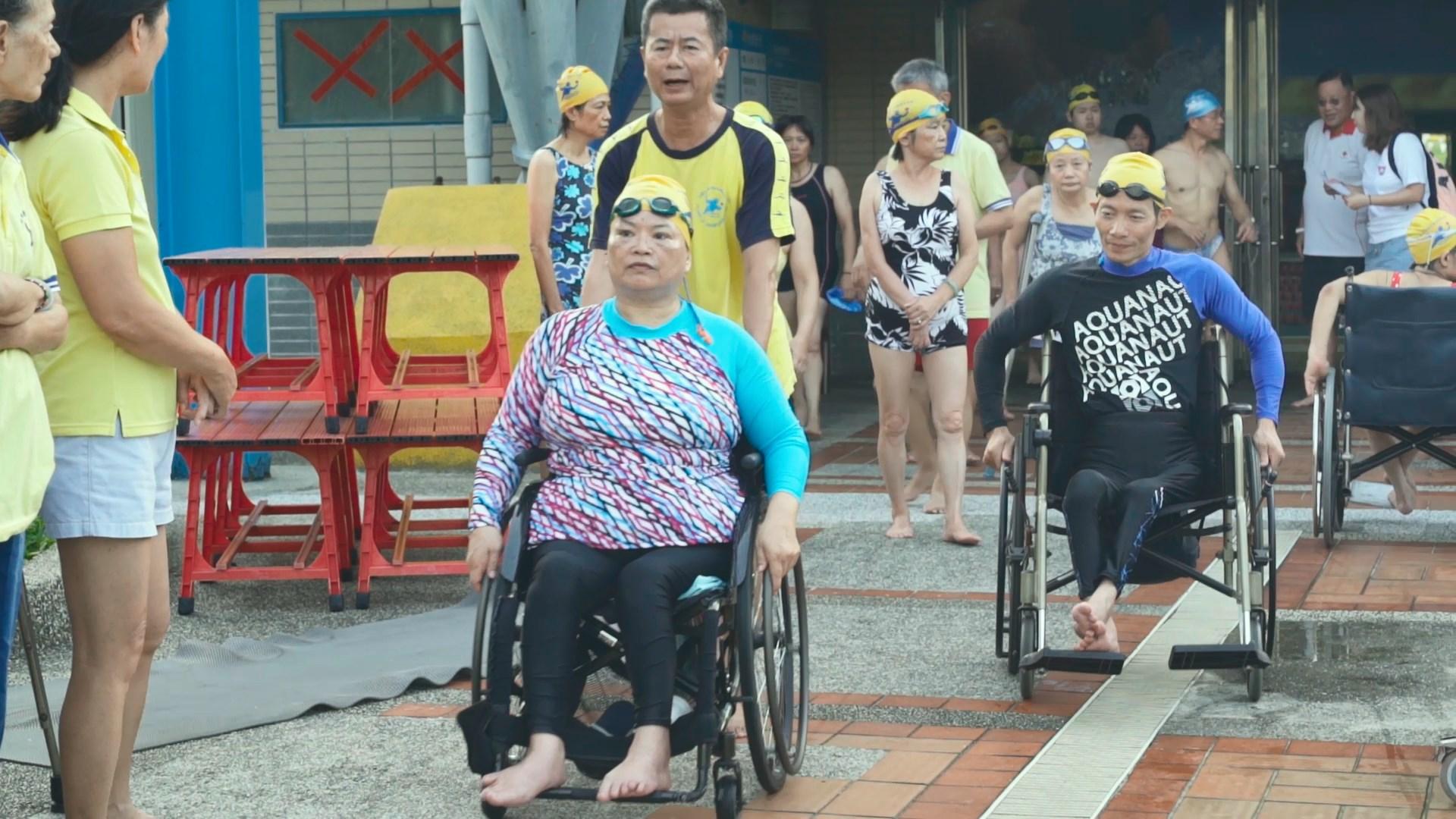 梁春錦和丈夫蘇俊源,在幼時便罹患小兒麻痺症,但這並沒有影響到他們追求夢想的決心。