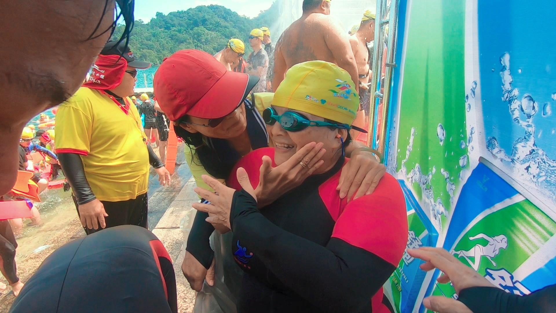 新北市身心障礙游泳協會理事長李千金,常用自身的故事來鼓勵身邊的身心障礙者勇於挑戰自我。