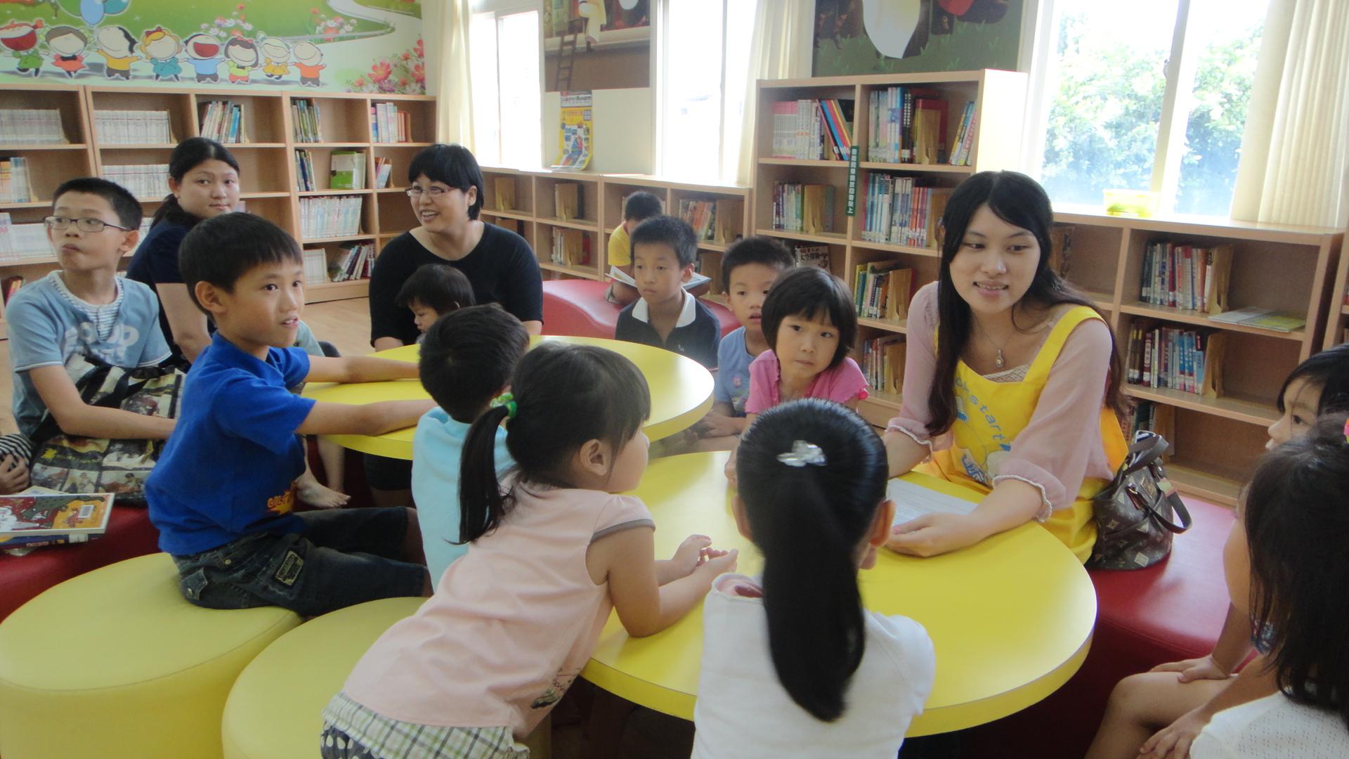 楊博宇與鄭惠如時常帶著員工一起參與公益活動。