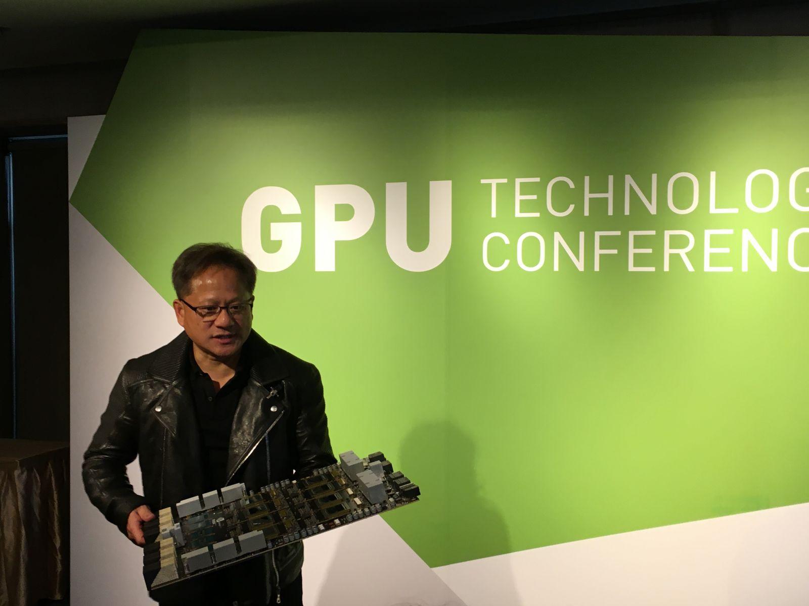NVIDIA黃仁勳:人類科技發展離不開「效能」