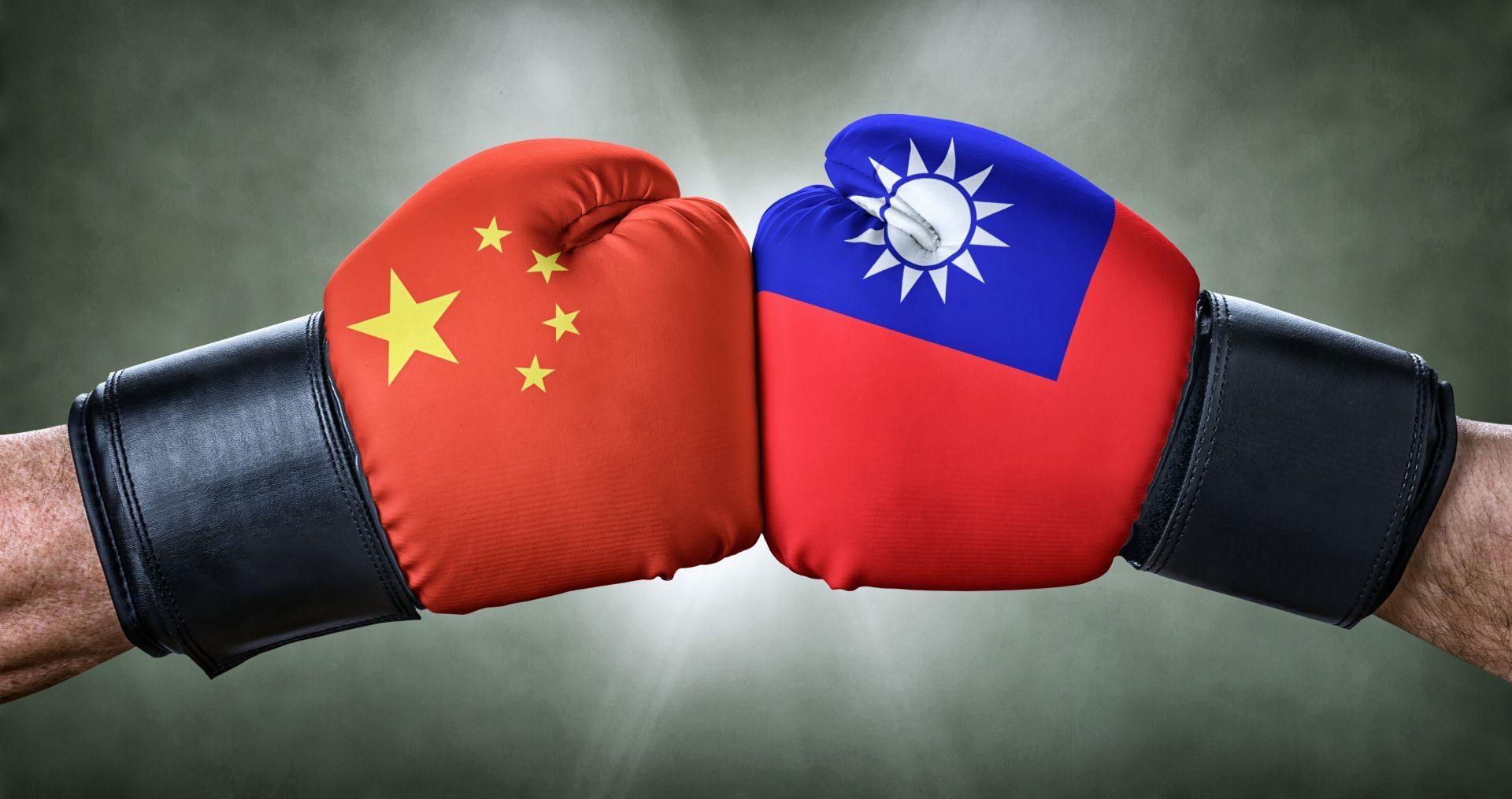 「一天挨揍3000萬次,被打久就會反擊!」 科技大廠董事長:若中國要打趴台灣 小心這招比動武更容易